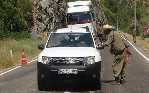 PKK fighters have set up checkpoints on the main road of Dersim province in Turkey (Source: Rudaw)