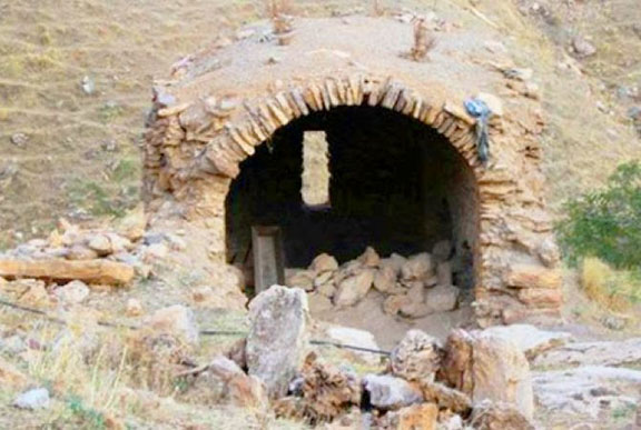 The ruins of the St. Peter monastery in Sson, Batman province were attacked by robbers and arsonists (Source: Armenpress)