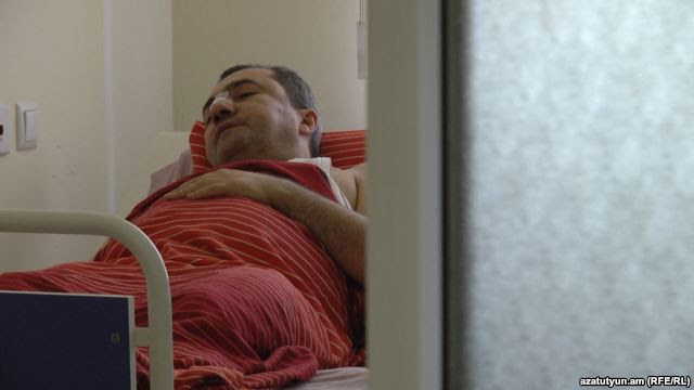 Arsen Avetisyan in the hospital after suffering a broken nose at the hands of Hayrapetian