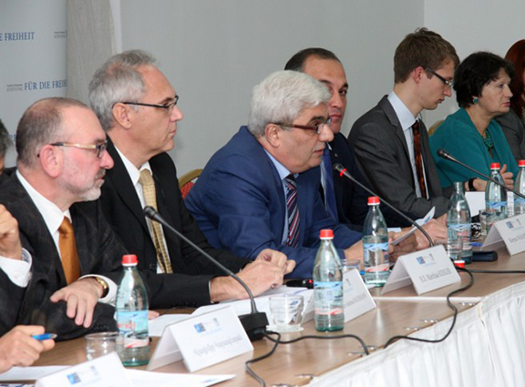"""Participants of the """"NATO-Armenia Cooperation: New Objectives and Perspectives,"""" conference at a meeting with reporters in Yerevan (Source: Public Radio of Armenia)"""