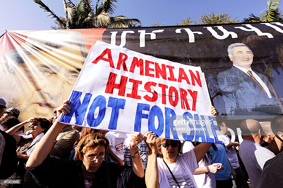 In 2009, Southern California Armenians numbering in tens of thousands protested the Turkey-Armenia Protocols during President Sarkisian's visit to Los Angeles