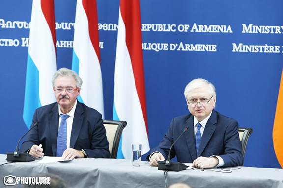 Armenia's Foreign Minister Edward Nalbandian and Minister of Foreign and European Affairs of Luxemburg Jean Asselborn at a joint press conference Tuesday