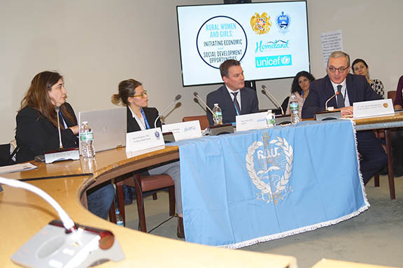 Panelists from l to r:) Dr. Nyree Derderian, Araz Chiloyan, Dr. Toby Wicks, and Ambassador Zohrab Mnatsakanyan (Photo: ARS)