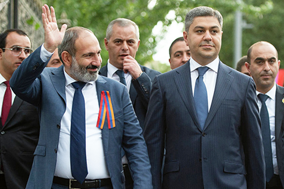 Prime Minister Nikol Pashinyan with Artur Vanetsyan, the NSS head who was fired on Sept. 16