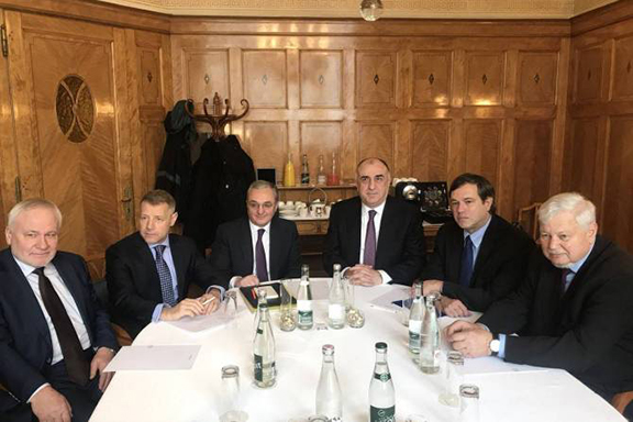 Armenian and Azerbaijani foreign ministers with the co-chairmen of the OSCE Minks Group