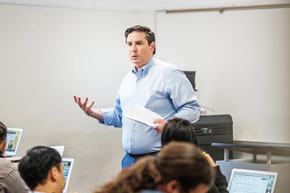 Ardy Kassakhian  instructing a Political Science course he teaches at Glendale Community College