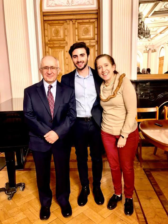 Taner Akçam (left) and Siobhan Nash-Marshall (right) with a student from the Tallinn Academy of Sciences