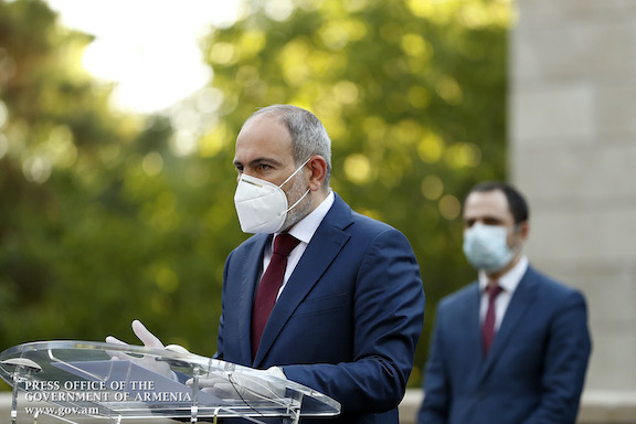 Prime Minister Nikol Pashinyan hold press briefing on June 5