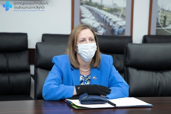 U.S. Ambassador Lynne Tracy during her meeting with Armenia's Health Minister Arsen Torosyan