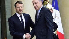 French President Emanuel Macron (left) with his Turkish counterpart Recep Tayyip Erdogan